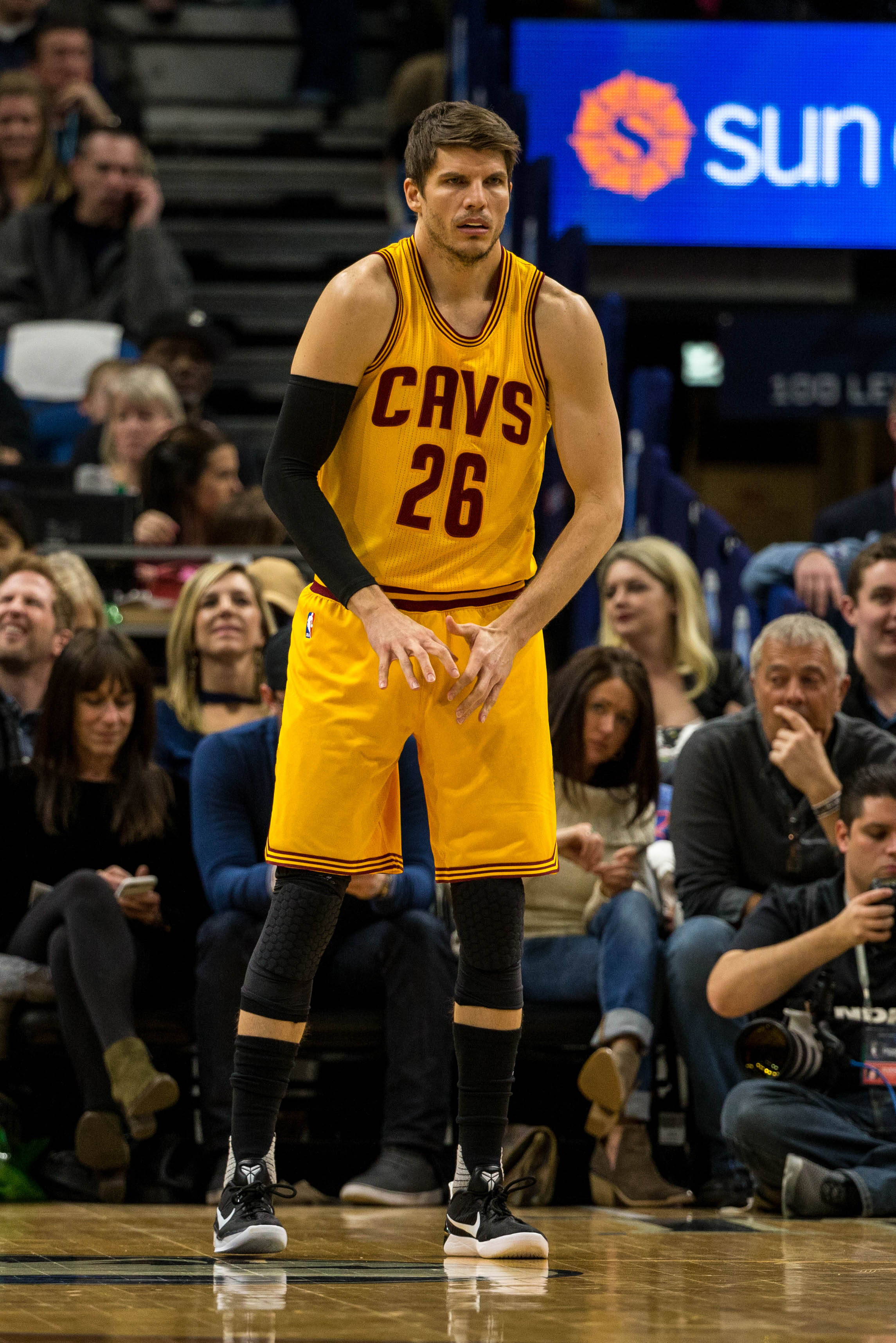 8701004fe7b6 Kyle Korver Re-Signs With Cavaliers
