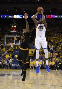 Kevin Durant LeBron James vertical